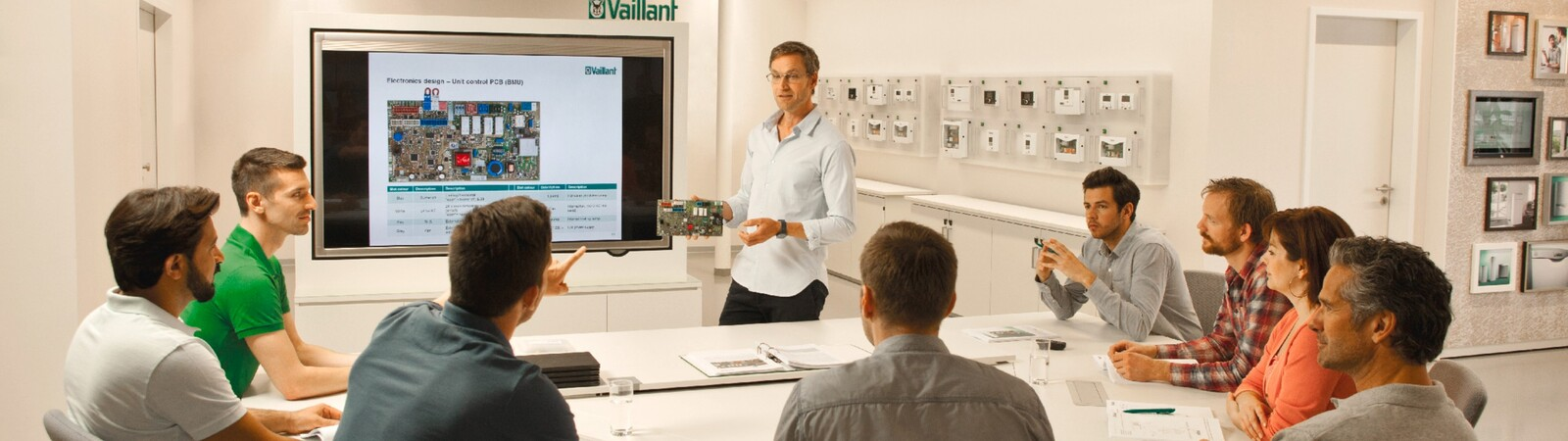 https://www.vaillant.ru/downloads/images-general/academy/prof15-43062-03-1247744-format-32-9@1600@desktop.jpg