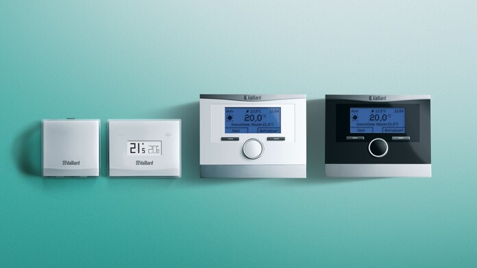 //www.vaillant.ru/media-master/global-media/vaillant/product-pictures/multimatic-700/control15-12908-01-554094-format-16-9@696@desktop.jpg