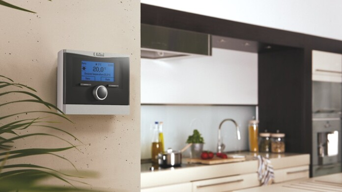 //www.vaillant.ru/media-master/global-media/vaillant/product-pictures/scene/control11-3310-01-45920-format-16-9@696@desktop.jpg