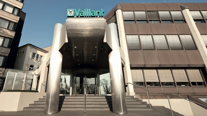 //www.vaillant.ru/media-master/global-media/vaillant/promotion/exterior/exterior12-4348-01-45342-format-16-9@696@desktop.jpg