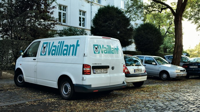 //www.vaillant.ru/media-master/global-media/vaillant/promotion/professionals/professionals09-4808-01-45444-format-16-9@696@desktop.jpg